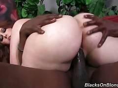 White Plumper Tastes Big Black Dick 3