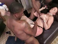 Slutty White Lady Gets Fucked And Creampied 1